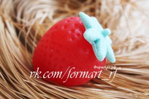 Состоит из двух форм (листик отдельная форма) Вес готового изделия (мыла, свечи) ~40 грамм.  Материал: мягкий, эластичный силикон