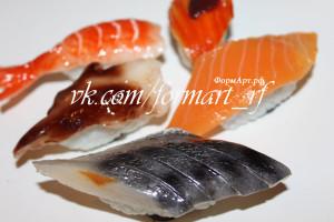 Только рыбка Варианты: Креветка, рыбка под соусом, красная рыбка, белая рыбка, селедка. ПРИ ЗАКАЗЕ УТОЧНЯЙТЕ КАКУЮ ИМЕННО Вес готового изделия (мыла, свечи) ~15 грамм.  Материал: мягкий, эластичный силикон