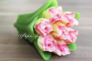 Фома состоит из двух: цветы +стебель. Вес готового изделия (мыла, свечи) ~230 грамм. Высота 12 см. Материал: мягкий, эластичный силикон