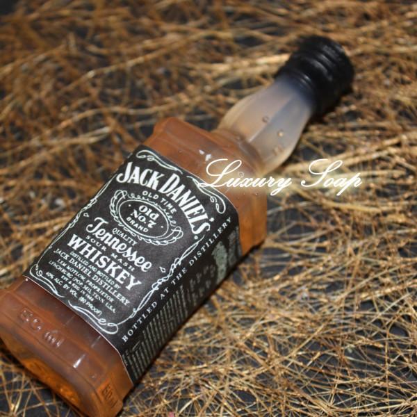 """Силиконовая форма """"Бутылочка виски Джек Дениелс"""""""