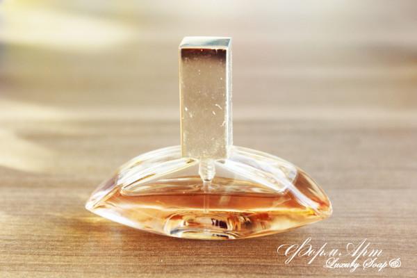 """Силиконовая форма """"духи Calvin Klein"""" Вес ~40 грамм Размеры : высота 6см, длинна 8см, ширина 3см (силикон Китай сиреневого или розового цвета)"""