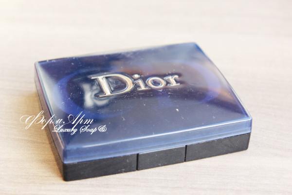 """Силиконовая форма """"Тени Dior"""" (буквы рельефные) Размеры 8*1,5*6,5 см, вес мыла примерно 40 грамм (силикон Китай сиреневый или розовый)"""