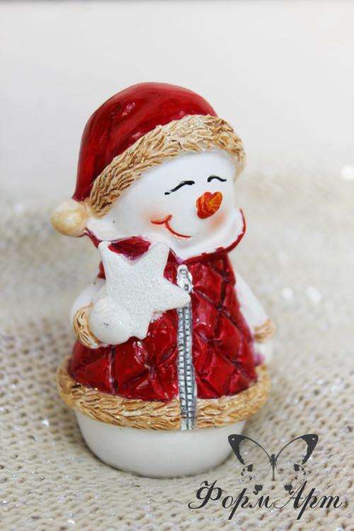 """Силиконовая форма """"Снеговик в жилетке со звездой"""" Высота 8,5 см. Вес мыла примерно 80 грамм"""
