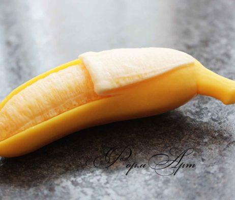 """Силиконовая форма """"Полуочищенный банан"""""""